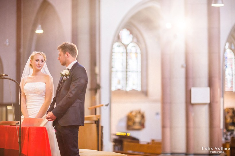 0108_Sandra_und_Stefan_Hochzeit_2015-05_09_1020_be_820px